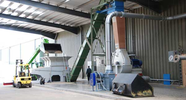 KMH Scraper Conveyor and Metal Separation System